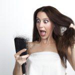 女性の円形脱毛症の原因と治療法とは?